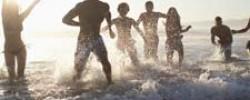 menschen-strand-wasser